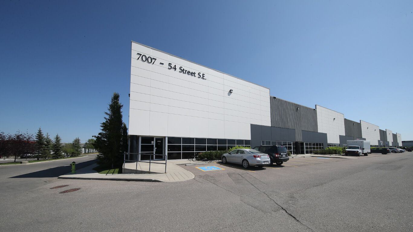Skyline Commercial REIT - Calgary 25th St. N.E. Feature